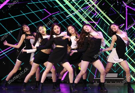 Members of the new girl group STAYC perform during a showcase of its debut single 'Star To A Young Culture' in Seoul, 12 November 2020.