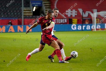 Jan Vertonghen of Belgium and Jordan Henderson of England