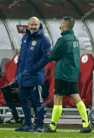 Scotland head coach Steve Clarke (L) reacts during the UEFA EURO 2020 qualification playoff match between Serbia and Scotland in Belgrade, Serbia, 12 November 2020.