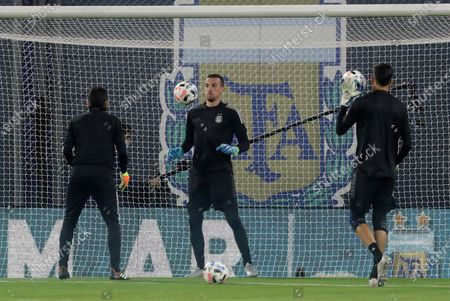 Argentina's goalkeeper Franco Armani warms up before the match against Paraguay amid the third day of the South American qualifiers for the Qatar 2022 World Cup, in Buenos Aires, Argentina, 12 November 2020.