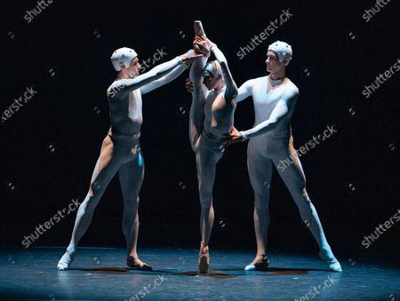 'Monotones II'Melissa Hamilton, Reece Clarke, Nicol Edmonds