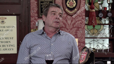Coronation Street - 10180 Friday 27th November 2020 - 2nd Ep Jenny Connor insists Daisy and Lee stay for dinner. Johnny Connor, as played by Richard Hawley, and Jenny's row escalates but they're interrupted by the arrival of the police who tell Johnny they're arresting him on suspicion of burglary and GBH.