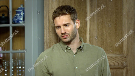 Emmerdale - Ep 8891 Wednesday 18th November 2020 Mackenzie is suspicious of Jamie Tate's, as played by Alexander Lincoln, actions. What is he planning?