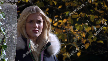 Emmerdale - Ep 8900 Friday 27th November 2020 Leanna Cavanagh, as played by Mimi Slinger, intends to start a smear campaign on Gabby Thomas.