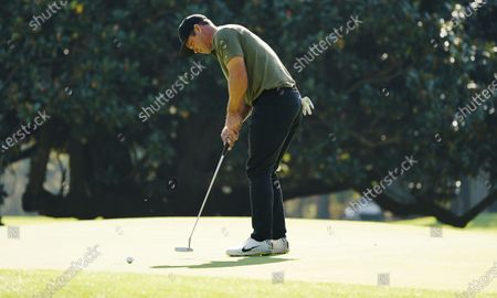 Paul Casey of England putts on the first hole during the third round of the 2020 Masters Tournament at the Augusta National Golf Club in Augusta, Georgia, USA, 14 November 2020. After being delayed seven months by the coronavirus pandemic, the 2020 Masters Tournament is being held without patrons 12 November through 15 November.