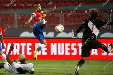 Arturo Vidal of Chile scores his second goal in the 35th minute 2-0 past Peru keeper Pedro Gallese; National Stadium of Santiago, Santiago, Chile; World Cup 2020 Football qualification, Chile versus Peru.
