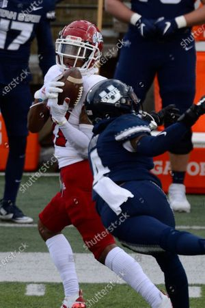 Stock Photo of Fresno State Bulldogs wide receiver Josh Kelly (11) catches the ball during an NCAA football game on in Logan, Utah