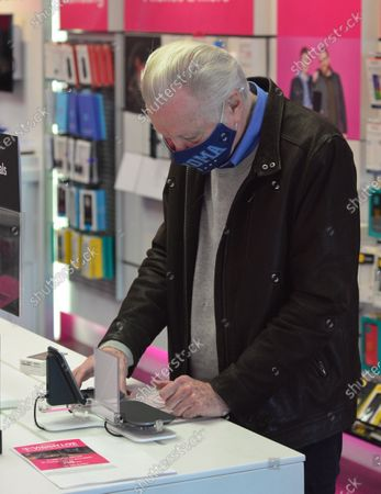 Stock Image of Exclusive - Jon Voight seen at the T-Mobile store in Beverly Hills