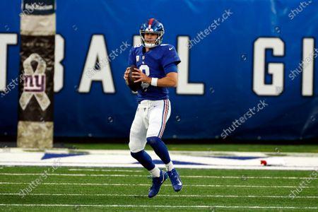 New York Giants quarterback Daniel Jones (8) in action during an NFL football game against the Philadelphia Eagles, in East Rutherford, N.J