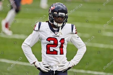 Houston Texans cornerback Bradley Roby rests between plays during the first half of an NFL football game against the Cleveland Browns, in Cleveland
