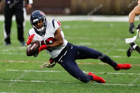 Houston Texans wide receiver Randall Cobb (18) drops a pass against the Cleveland Browns during the second half of an NFL football game, in Cleveland