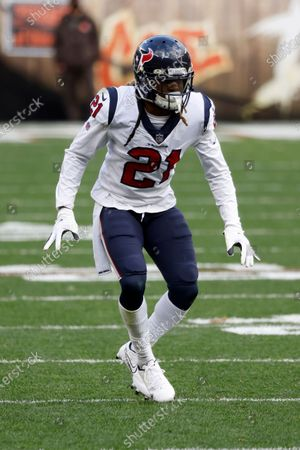 Houston Texans cornerback Bradley Roby (21) moves after the ball during an NFL football game against the Cleveland Browns, in Cleveland