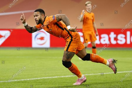 Memphis Depay of the Netherlands celebrates after scoring the 3-0 lead during the UEFA Nations League soccer match between the Netherlands and Bosnia and Herzegovina at Johan Cruyff Arena in Amsterdam, Netherlands, 15 November 2020.