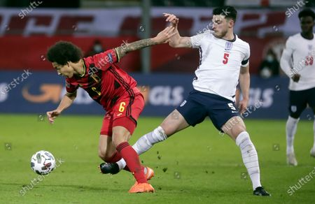 Axel Witsel of Belgium and Declan Rice of England (R) in action during the UEFA Nations League soccer match between Belgium and England in Leuven, Belgium, 15 November 2020.
