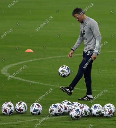 Spain's head coach, Luis Enrique, leads a training session of the team in La Cartuja stadium, in Seville, southern Spain, 16 November 2020. Spain will face Germany in their UEFA Nations League soccer match on 17 November 2020.