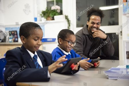 Vodafone Schools.Connected initiative offers free connectivity to schools across the UK by donating 250,000 sim cards loaded with 30GB of data to help bridge the digital divide for at home learning. Former Radio 1 Presenter and ambassador Devin Griffin visits Salsbury Primary School to interview parents, teachers and kids that this programme will support.