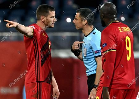 Belgium's Jan Vertonghen and Referee Slavko Vincic pictured during a soccer game between the Belgian national team Red Devils and Denmark, Wednesday 18 November 2020 in Leuven, on the sixth and last day of the group stage (group A2) of the Nations League.