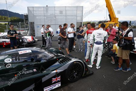 Red Bull Ring, Spielberg, Austria. Saturday 08 July 2017. Guy Smith, Tom Kristensen and the Bentley Speed 8 LMP1 that they shared to victory at Le Mans in 2003. World Copyright: Andy Hone/LAT Images