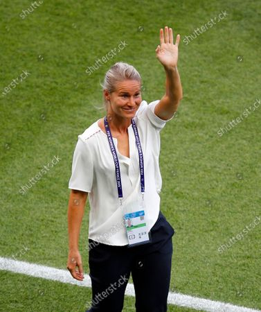 Stock Image of Dated, France's Amandine Henry waves to supporters prior to the Women's World Cup quarterfinal soccer match between France and the United States at the Parc des Princes, in Paris. France midfielder Amandine Henry is being recalled to become national team captain, Thursday Nov. 19, 2020, despite having made critical remarks about coach Corinne Diacre in a recent interview