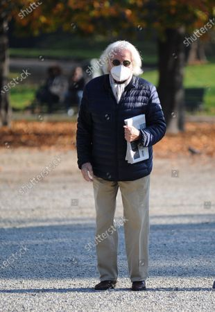 Stock Photo of Giorgio Forattini takes a lunchtime walk in Montanelli park