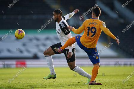 Ruben Loftus-Cheek of Fulham gets ahead of James Rodríguez of Everton