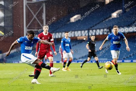 Jermain Defoe of Rangers shoots at goal.
