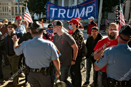 A large gathering of Trump supporters gather outside the Capitol building at the Stop the Steal rally on Wednesday, Nov. 18, 2020 in Atlanta, GA. (Jason Armond / Los Angeles Times)