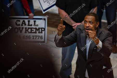 Vernon Jones, Democratic Party member of the Georgia House of Representatives speaks at the Stop the Steal rally at the Georgia Capitol Building on Wednesday, Nov. 18, 2020 in Atlanta, GA. (Jason Armond / Los Angeles Times)