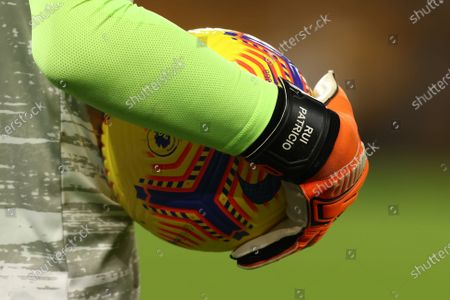 The gloved hand of Rui Patricio of Wolverhampton Wanderers is seen during the warm up; Molineux Stadium, Wolverhampton, West Midlands, England; English Premier League Football, Wolverhampton Wanderers versus Southampton.