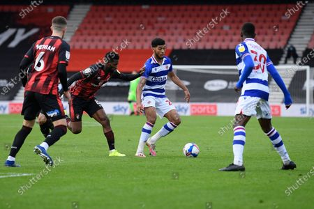 Stock Image of Josh Laurent of Reading centre holds off Jefferson Lerma of AFC Bournemouth during AFC Bournemouth vs Reading, Sky Bet EFL Championship Football at the Vitality Stadium on 21st November 2020