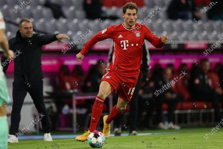 Leon Goretzka of Bayern Munich runs with the ball during the German Bundesliga soccer match between FC Bayern Munich and SV Werder Bremen at Allianz Arena in Munich, Germany, 21 November 2020.