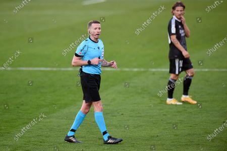 The referee Alejandro Fernandez Fernandez