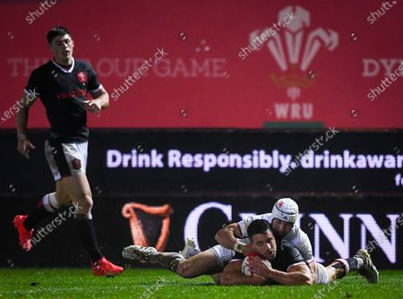 Wales vs Georgia. Wales' Rhys Webb scores a try