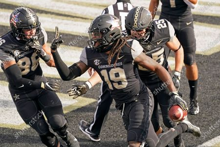 Vanderbilt wide receiver Chris Pierce Jr. (19) celebrates after scoring a touchdown against the Florida in the first half of an NCAA college football game, in Nashville, Tenn