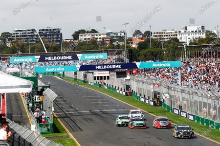 Australian Supercars Series Albert Park, Melbourne, Australia. Sunday 26 March 2017. Race 4. Taz Douglas, No.3 Holden Commodore VF, Lucas Dumbrell Motorsport, leads Simone de Silvestro, No.78 Nissan Altima, Nissan Motorsport and Team Harvey Norman, Alex Rullo, No.62 Holden Commodore VF, Lucas Dumbrell Motorsport, Mark Winterbottom, No.5 Ford Falcon FG-X, The Bottle-O Racing Team and Monster Energy Racing, and Tim Slade, No.14 Holden Commodore VF, Brad Jones Racing. World Copyright: Zak Mauger/LAT Images
