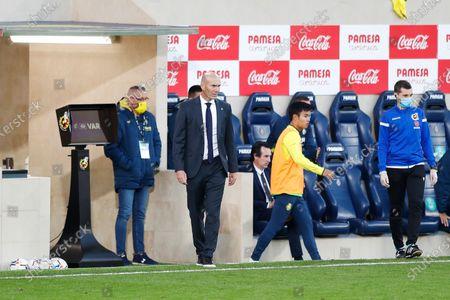 "Zinedine Zidane (Real) - Football / Soccer : Spanish ""La Liga Santander"" match between Villarreal CF 1-1 Real Madrid CF at the Estadio de la Ceramica in Vila-Real, Spain."
