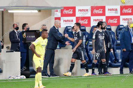 "(L-R) Zinedine Zidane, Eden Hazard (Real) - Football / Soccer : Spanish ""La Liga Santander"" match between Villarreal CF 1-1 Real Madrid CF at the Estadio de la Ceramica in Vila-Real, Spain."
