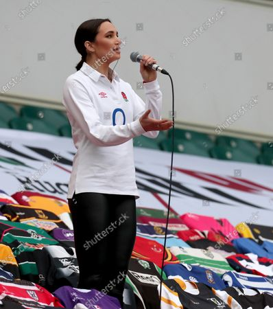 Laura Wright sings the English national anthem