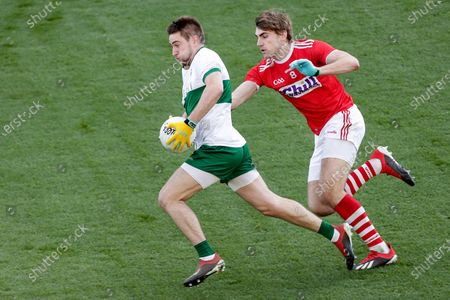 Cork vs Tipperary. Tipperary's Bill Maher and Ian Maguire of Cork