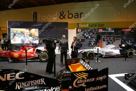 Autosport International Exhibition. National Exhibition Centre, Birmingham, UK. Saturday 14 January 2017. Stuart Codling and Allan McNish on the F1 Racing display. World Copyright: Mike Hoyer/EbreyLAT Photographic. Ref: MDH17660