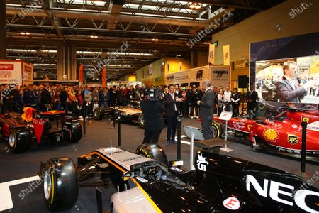 Autosport International Exhibition. National Exhibition Centre, Birmingham, UK. Saturday 14 January 2017. Stuart Codling and Allan McNish on the F1 Racing display. World Copyright: Mike Hoyer/EbreyLAT Photographic. Ref: MDH17673