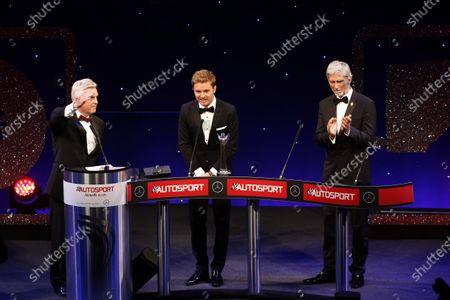 2016 Autosport Awards. Grosvenor House Hotel, Park Lane, London. Sunday 4 December 2016. Steve Rider with Nico Rosberg and Damon Hill  World Copyright: /LAT Photographic.