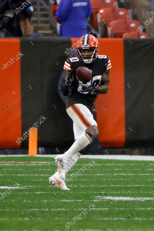 Cleveland Browns wide receiver Jarvis Landry (80) catches a pass during an NFL football game against the Philadelphia Eagles, in Cleveland
