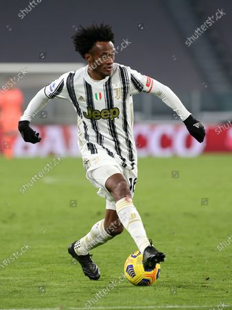 16 Juan Cuadrado (JUVENTUS FC) during Juventus FC vs Cagliari Calcio, Italian football Serie A match in turin, Italy, November 21 2020