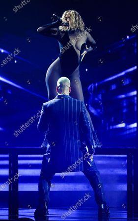 Jennifer Lopez, Maluma