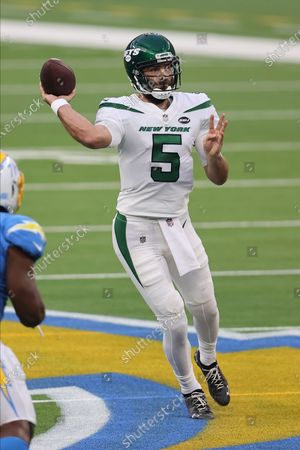 New York Jets quarterback Joe Flacco (5) makes a pass attempt during an NFL football game against the Los Angeles Chargers, in Inglewood, Calif