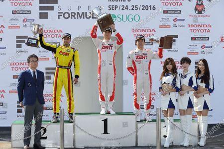 2016 Japanese Formula 3 Championship. Sugo, Japan. 24th - 25th September 2016. Rd 15, 16 & 17. Rd.16 Winner Kenta Yamashita ( #36 ZENT TOM'S F312 ) 2nd position Jann Mardenborough ( #22 B-MAX NDDP F3 ) 3rd position Sho Tsuboi ( #37 ZENT TOM'S F314 ) podium, portrait World Copyright : Yasushi Ishihara/LAT Photographic Ref : 2016JF3_Rd15_17SUGO_018