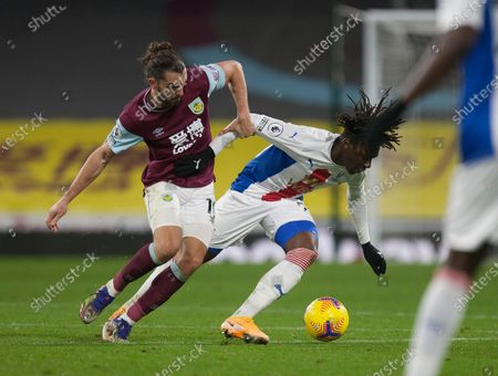Jay Rodriguez of Burnley (L) and Eberechi Eze of Crystal Palace in action