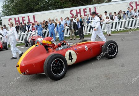 2016 Goodwood Revival Goodwood Estate, West Sussex,England 9th - 11th September 2016 Chichester Cup John Sykes Merlyn World Copyright : Jeff Bloxham/LAT Photographic Ref : Digital Image