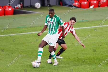 (L-R) William Carvalho (Betis), Unai Vencedor (Bilbao)